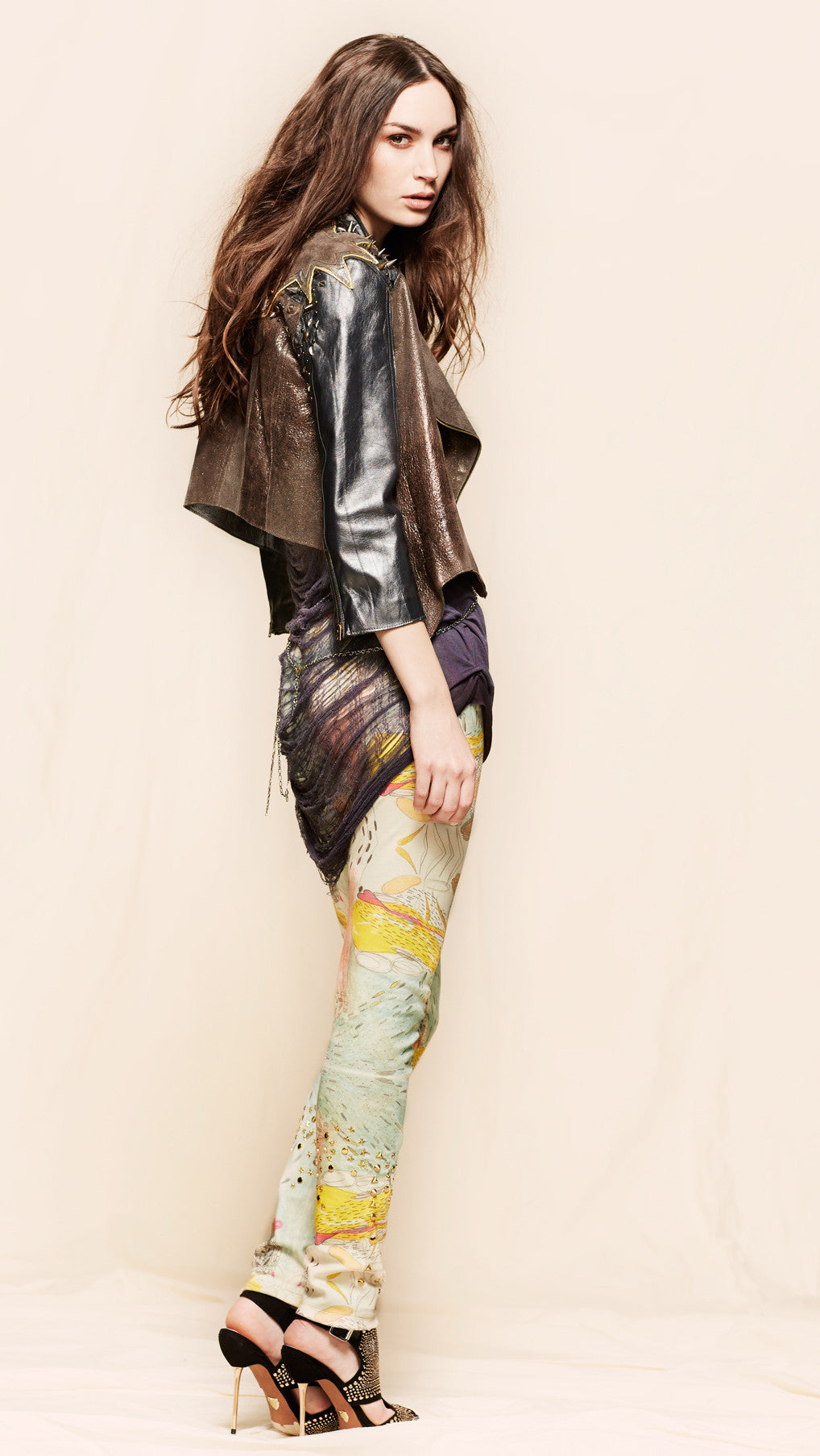 oda - estarriol leggings - side view