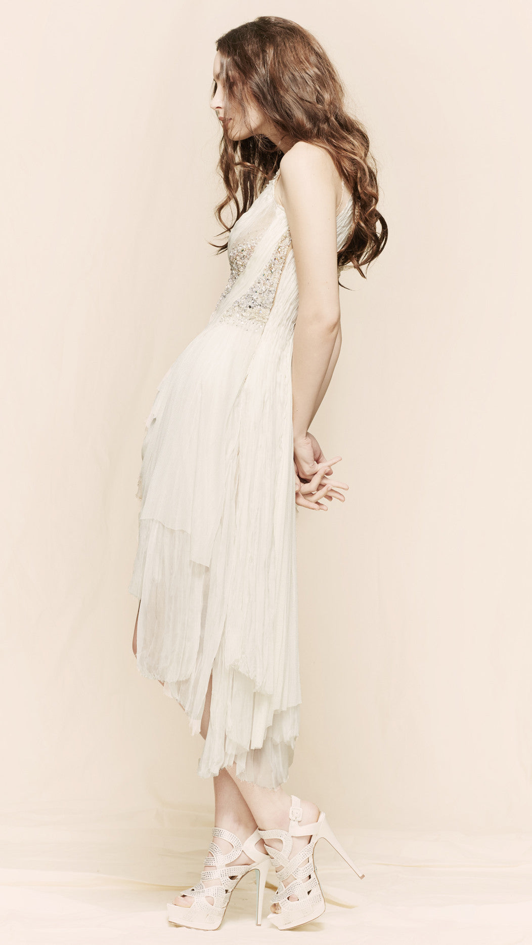 oda - forgotten kisses meringue dress - side view