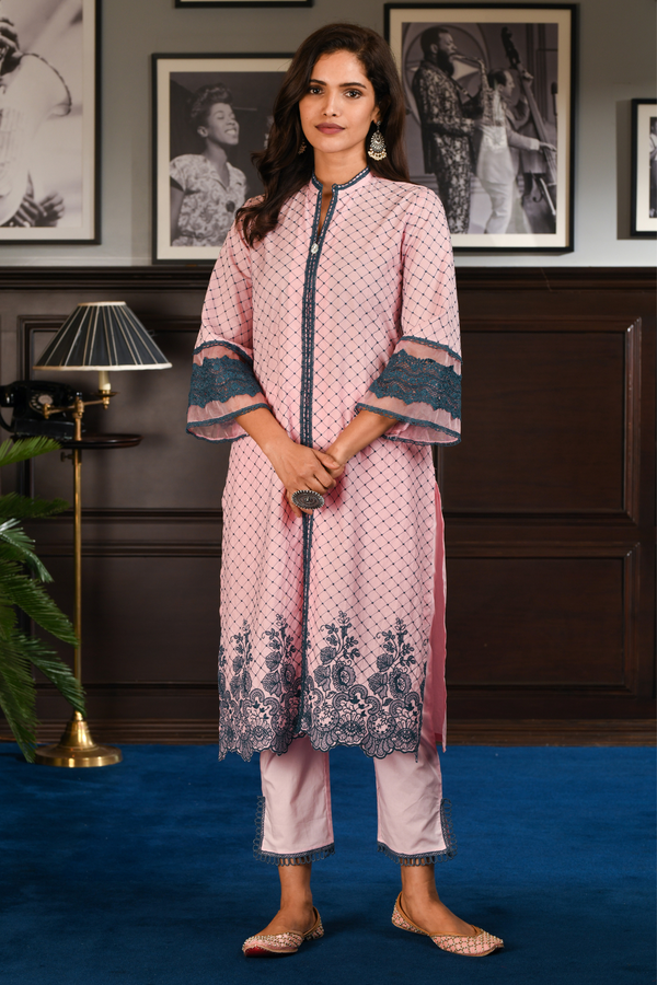 Mulmul Cotton Cayo pink kurta with pink slit pants