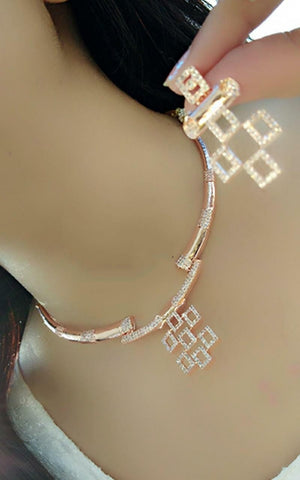 Fantastic Rose Gold Sleek Artificial Necklace Set Online