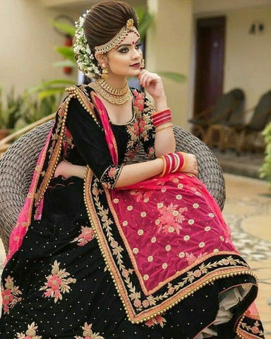 Black Color Diamond Machine Embroidered Work Velvet Tapeta Designer Latest Design Lehenga Choli