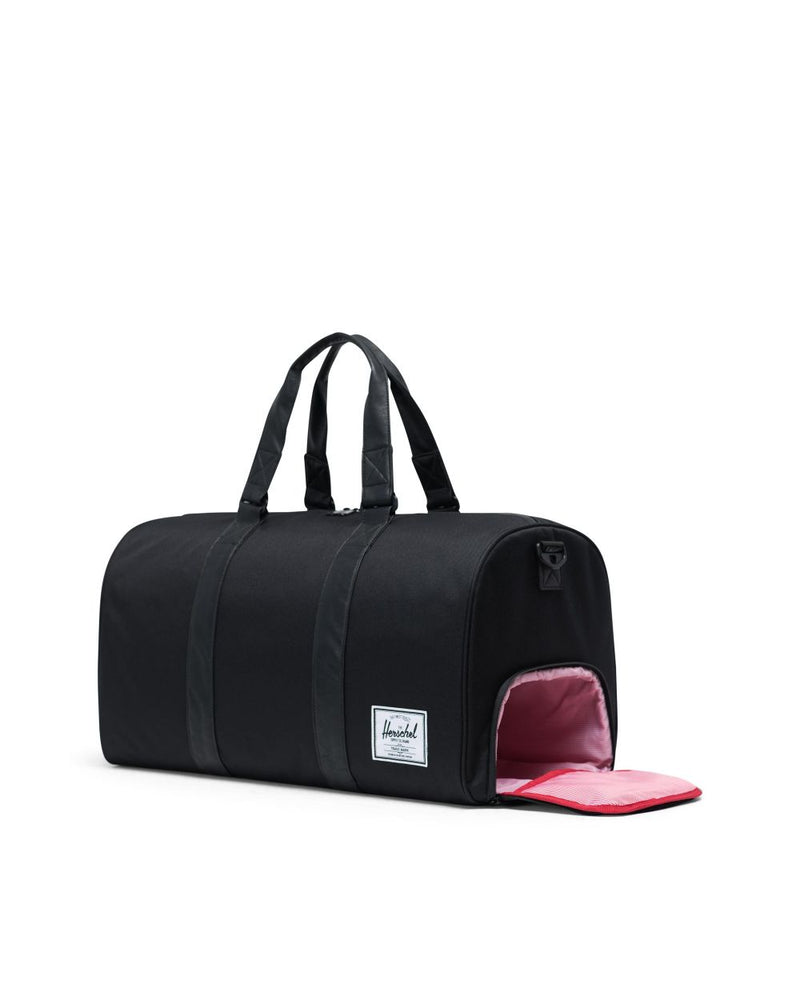 Novel Duffle x Black/Black