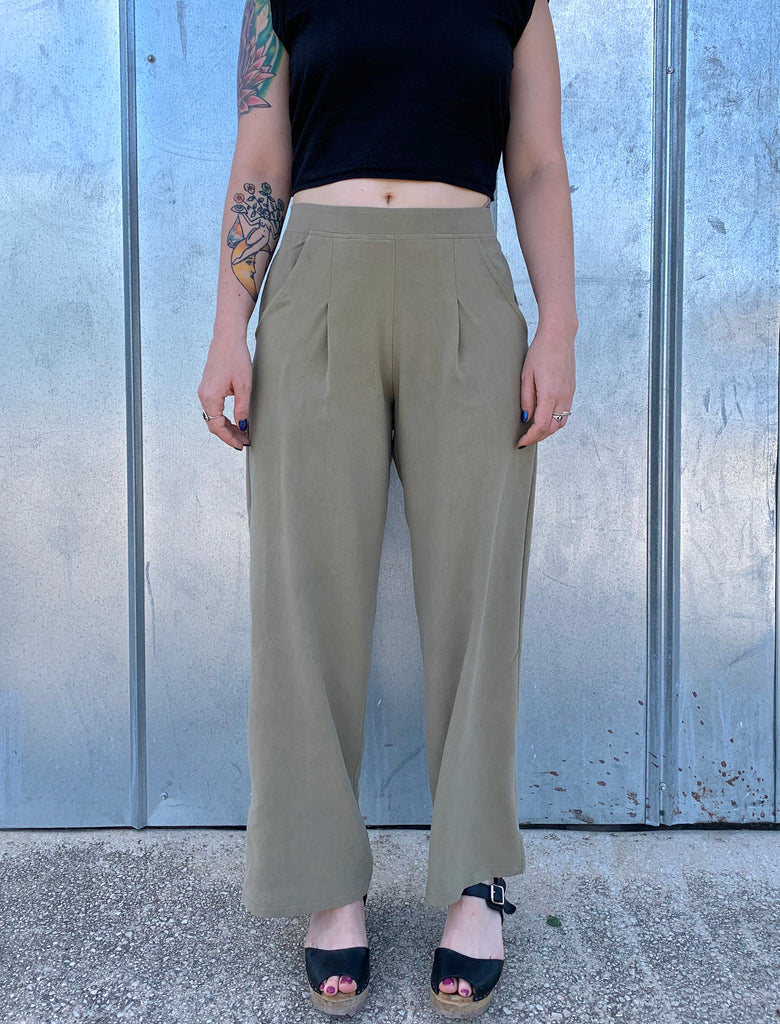 The Pant: Green Tones