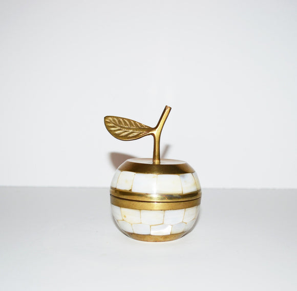 Brass Apple Ring Box Mother of Pearl Apple Apple Box Fruit Brass manzana Brass Apfel Brass Pomme Ring Box