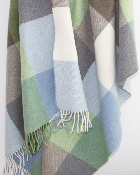 17% Off Blackets & Throws