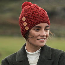 Load image into Gallery viewer, Aran Hat with buttons, Red