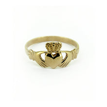 Load image into Gallery viewer, Claddagh Ring, Yellow Gold