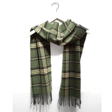 Load image into Gallery viewer, Lambswool Scarf, Green