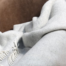 Load image into Gallery viewer, Merino & Cashmere Blanket, Pale Grey & Cream Herringbone