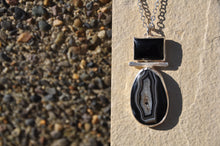 将图片加载到图库查看器,Agate and Onyx Sterling Silver Pendant