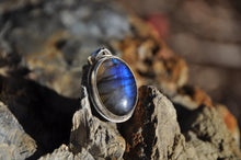 Load image into Gallery viewer, Labradorite Oval Sterling Silver Pendant