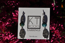 Cargar imagen en el visor de la galería, Round Apatite and Leaf Dangle Earrings