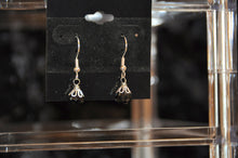 将图片加载到图库查看器,Elegant Black Spinel Teardrop Dangle Earrings