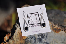 Cargar imagen en el visor de la galería, Oval Black Spinel Teardrop Dangle Earrings
