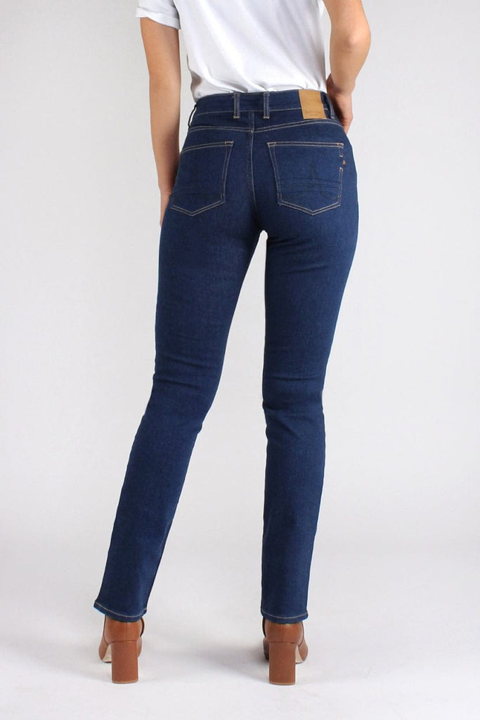 Sara Straight Rinse | Rinse - Kuyichi Pure Goods | Organic Style Conscious Denim | Official Website