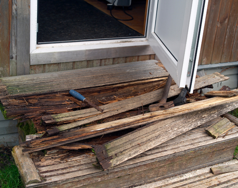Rotten deck stairs