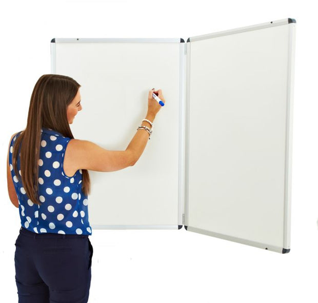 Winged Whiteboard 900x600mm non magnetic left hand fixed