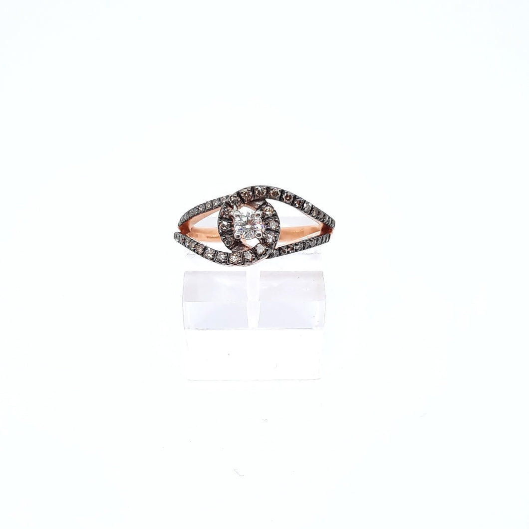 Anello con diamante centrale e diamanti brown in oro rosa 18 kt