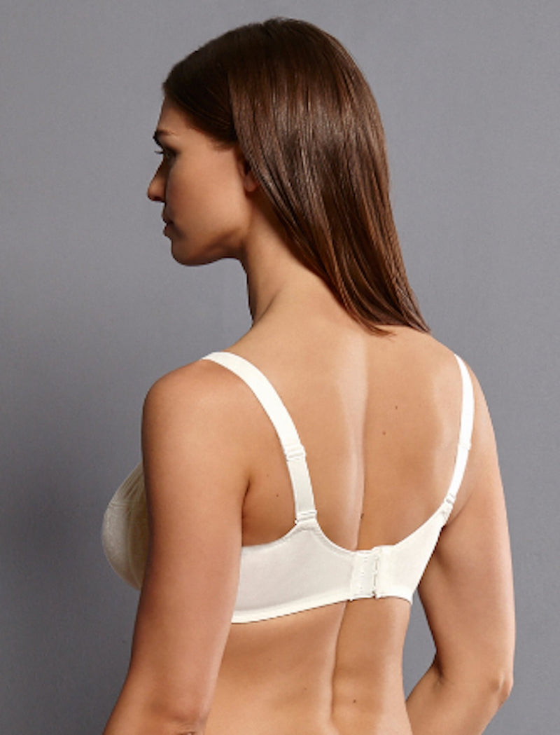 White back view. Our underwire bra in the beautiful seductive lace series FLEUR is available up to J cup. The Charmeuse lining provides a hint of opaqueness, while its functional shaped underwires provide a perfect fit.  Smooth floral lace with opaque charmeuse lining  Cups - Continuous frame ensure best support, seamless inner lining, particularly soft edgings Straps - Increasing with size range Back - Centered positioning of the straps ensures optimum support, three position hook and eye fastener