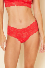 This Rosseto coloured boyshort is made by Cosabella. The Never Say Never collection is loved for its beautiful floral pattern and innovative lace. Crafted in Italy with the highest quality materials. Low rise boyshorts Soft, stretch scalloped lace that lays flat Stretchy lace at waistband Moderate rear coverage Cotton lined gusset
