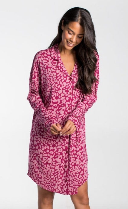 The CYELL sleepwear collection, made of the finest cotton/modal fabric is very soft making it super comfortable.  This nightdress is made with the finest cotton/modal fabric and drapes the body beautifully with its trendy animal pattern in pinky hues.