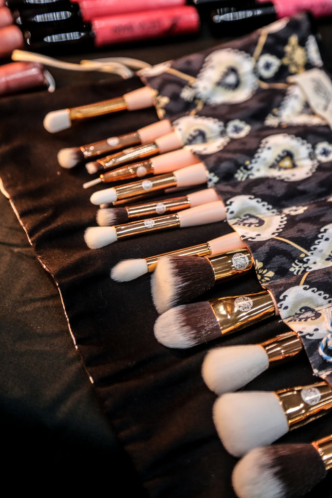Accessories And Brushes
