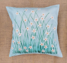 Load image into Gallery viewer, Daisy Linen Cushion