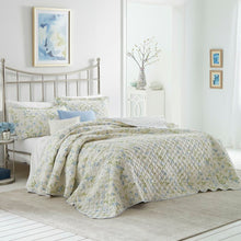 Load image into Gallery viewer, Laura Ashley Fawna Reversible Cotton Quilt Set - King  #SA664