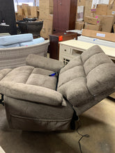 Load image into Gallery viewer, Comfort Lift Harrison Recliner