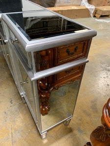 3 Drawers Mirrored Console