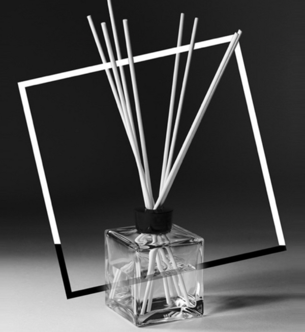 <transcy>HARA FRAGRANCE - THE UNEXPECTED AWAKENING OF THE FORCE OF LOVE</transcy>