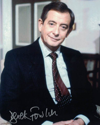 DEREK FOWLDS - Bernard Woolley in Yes Minister