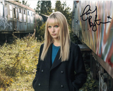 EMILY BERRINGTON - Niska in Humans