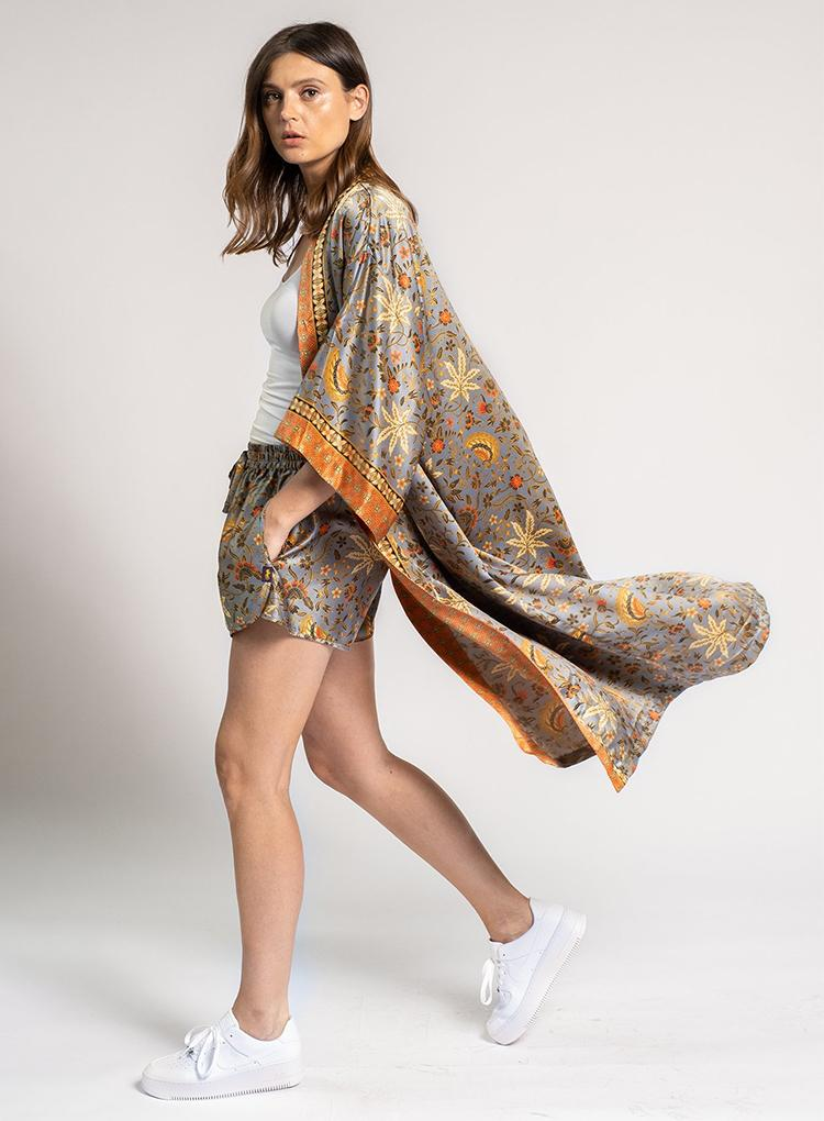 RAFIKIMONO LEISURE PURSUIT SILVER SHORTY KIMONO