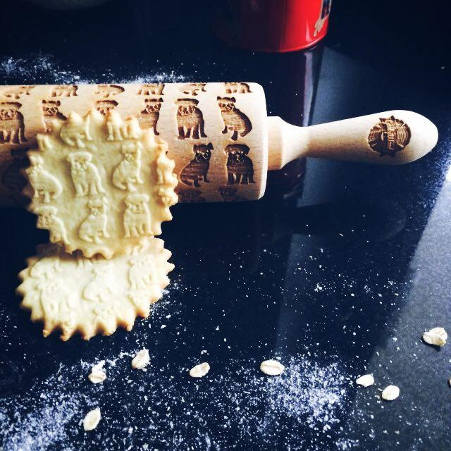Pastrymade ENGLISH BULLDOG ROLLING PIN Pastry Tool and Baking Utensil for Homemade Cookies