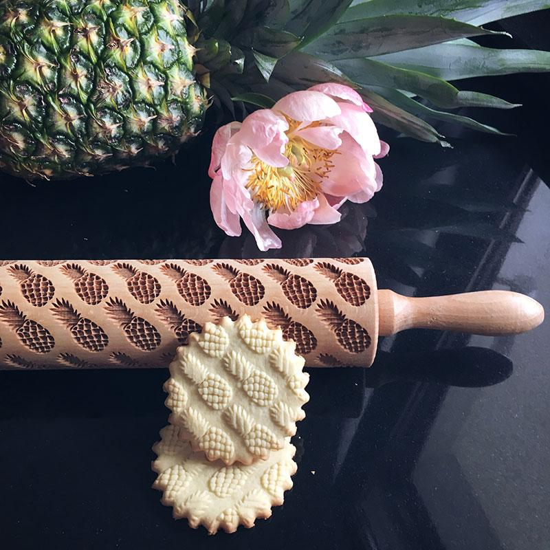 Pastrymade PINEAPPLES ROLLING PIN Pastry Tool and Baking Utensil for Homemade Cookies