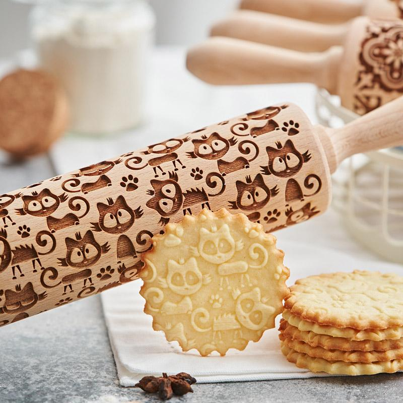 Pastrymade KITTY CAT ROLLING PIN Pastry Tool and Baking Utensil for Homemade Cookies