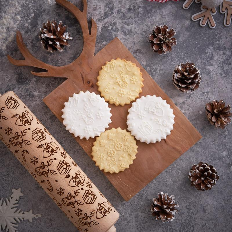 Pastrymade CHRISTMAS MOO ROLLING PIN Pastry Tool and Baking Utensil for Homemade Cookies