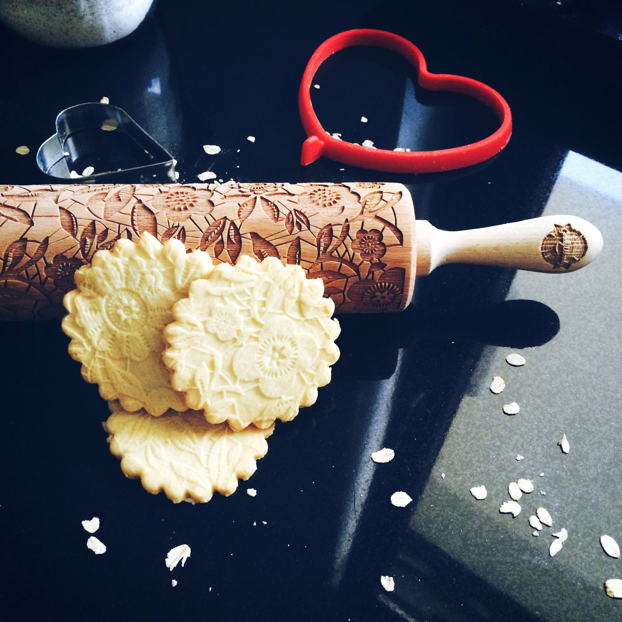 Pastrymade FLOWERS ROLLING PIN Pastry Tool and Baking Utensil for Homemade Cookies