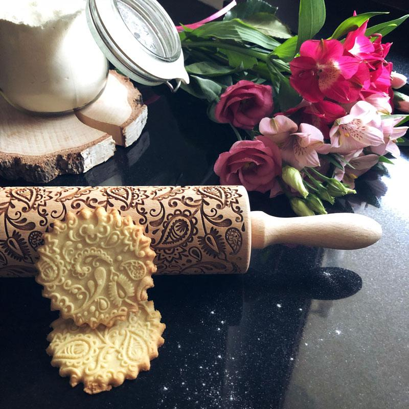 Pastrymade FLORAL PAISLEY ROLLING PIN Pastry Tool and Baking Utensil for Homemade Cookies
