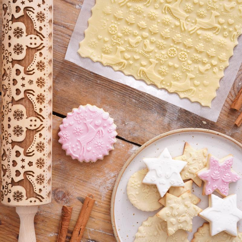 Pastrymade HAPPY CHRISTMAS ROLLING PIN Pastry Tool and Baking Utensil for Homemade Cookies
