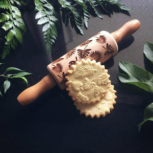 Pastrymade TROPICAL LEAVES KIDS ROLLING PIN Pastry Tool and Baking Utensil for Homemade Cookies