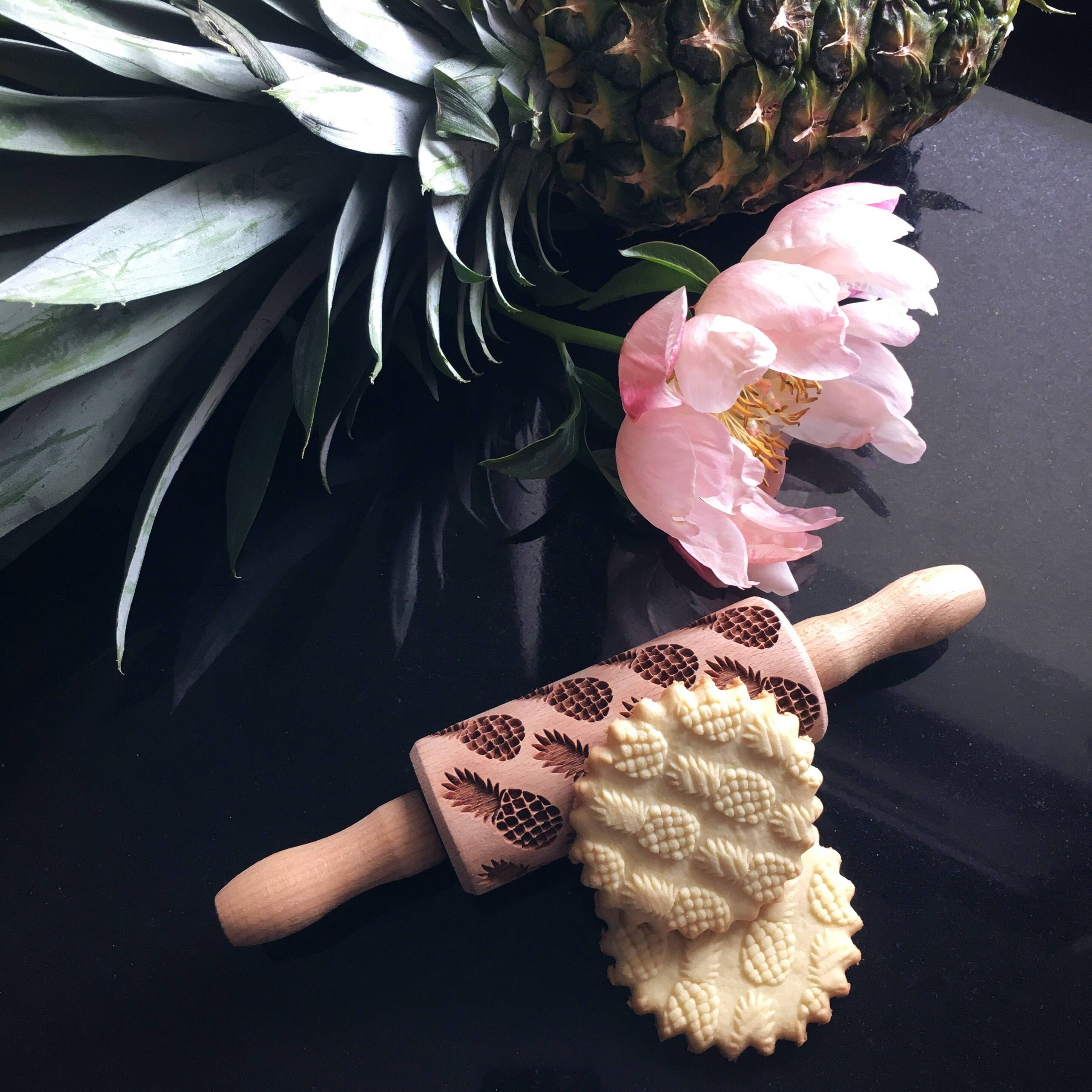 Pastrymade PINEAPPLES KIDS ROLLING PIN Pastry Tool and Baking Utensil for Homemade Cookies