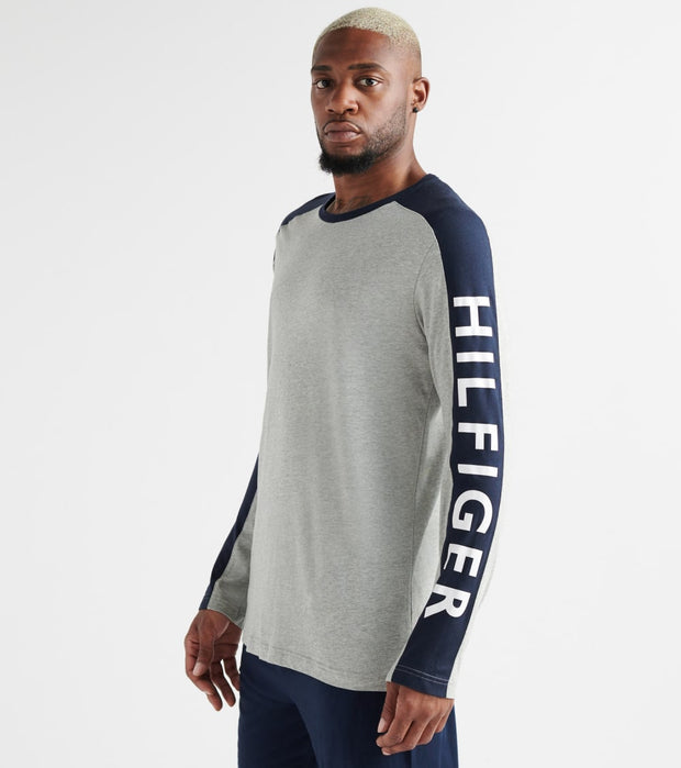 Tommy  Logo Essentials Long Sleeve Tee  Grey - 09T3285-004 | Jimmy Jazz