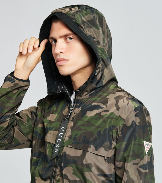 Guess  Lightweight Camo Hooded Jacket  Green - 110AN877-OCA | Jimmy Jazz