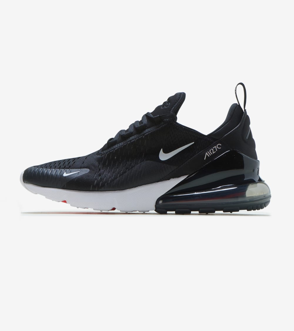 Nike Air Max 270 Shoes in Black