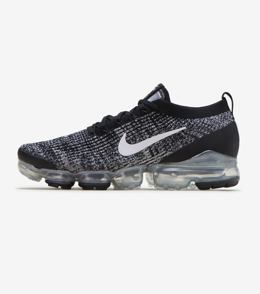 Nike Air Vapormax Flyknit 3 Shoes in