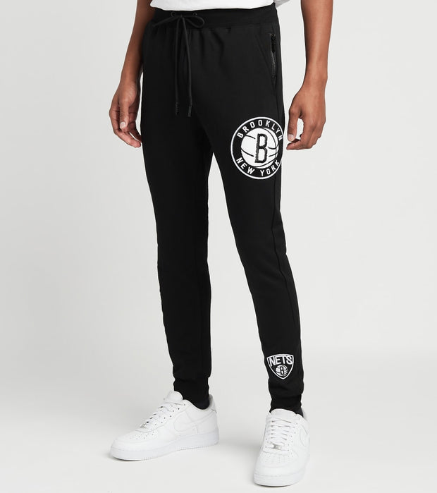 Pro Standard  Brooklyn Fleece Logo Joggers  Black - BBN45135-BLK | Jimmy Jazz