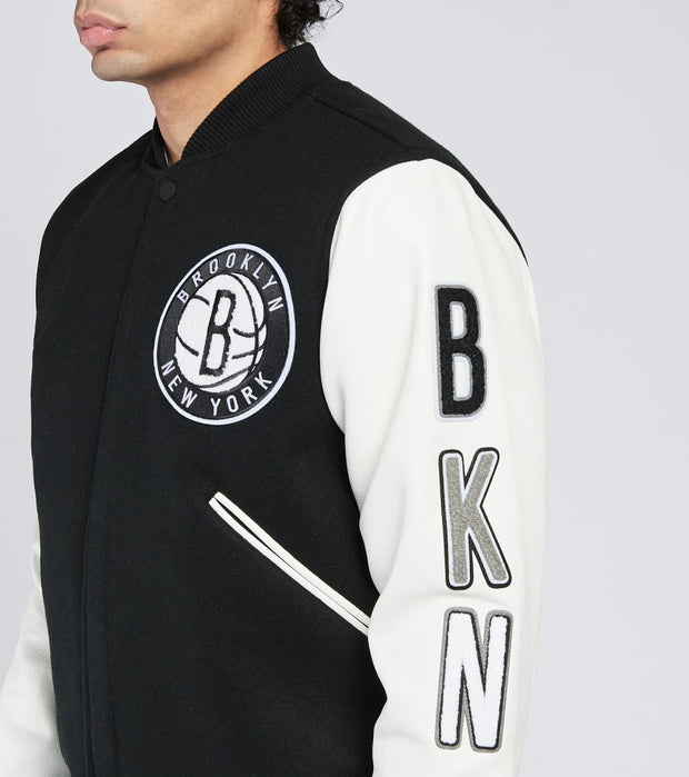 Pro Standard  Brooklyn Nets Logo Varsity Jacket  Black - BBN651683-BKWHT | Jimmy Jazz