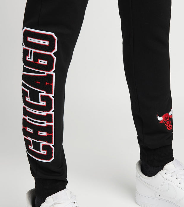 Pro Standard  Bulls Logo Fleece Joggers  Black - BCB451538-BLK | Jimmy Jazz